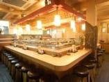 ◆カウンターメインの店内◆ 昔ながらの廻らない本格板前寿司
