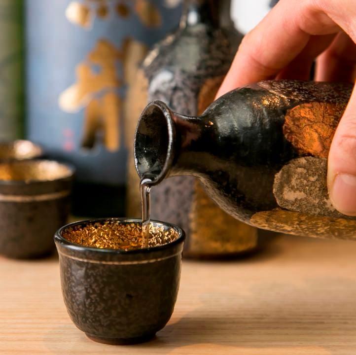 厳選した日本酒、焼酎、ワインなどドリンクにも自信あります!