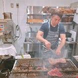 熟成ステーキは炭火焼きで