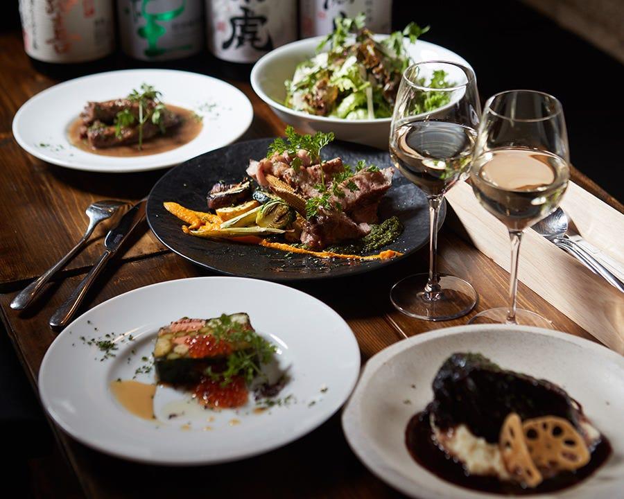 前菜からメインの肉料理まで日本酒と共にお楽しみ頂けます。