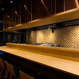 【カウンター席/1~8名様】立ち呑み席。京都デートやゆったりとしたお食事に◎