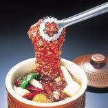 【壺漬けカルビ】 熟成ダレで漬けた肉の食感をお楽しみ下さい!