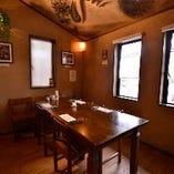 テーブル席個室(4~8名様)