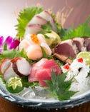 毎日新鮮な魚を仕入れております。