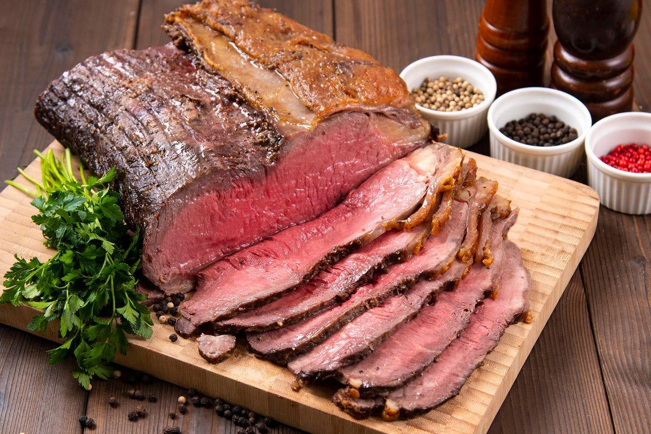 千葉県産コウゴ牧場牛(しあわせ絆牛) ローストビーフをご提供