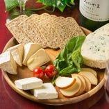 自家製チーズ盛り合わせ