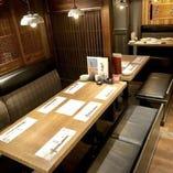 テーブル席(6名様×4卓)