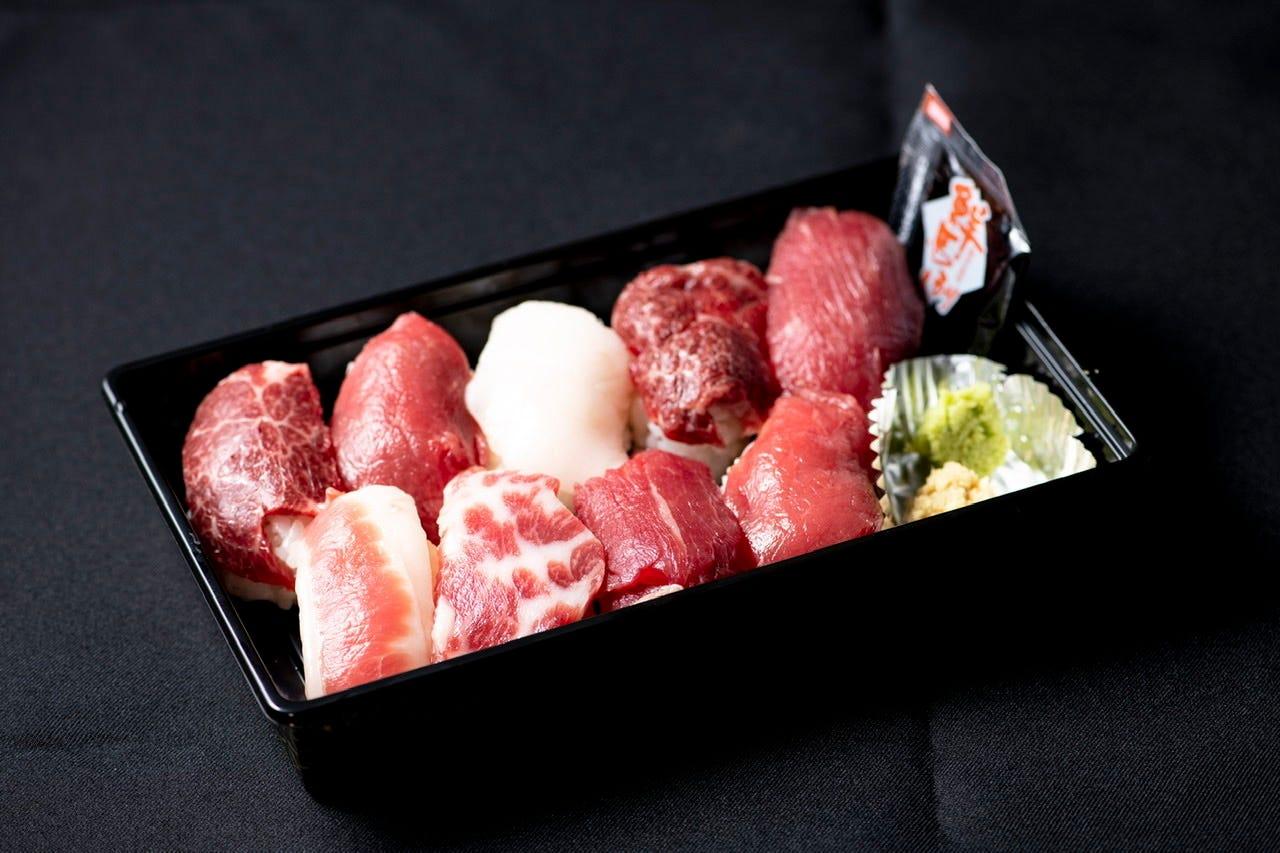 2番人気の肉寿司9貫盛り合わせ!