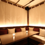 【SV-33】  5~6名様   白を基調とした、南国リゾートのヴィラをイメージさせるような完全個室。