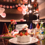 【誕生日・記念日プレミアムコース】 ホールケーキとルームデコレーション付き全7品 5000円