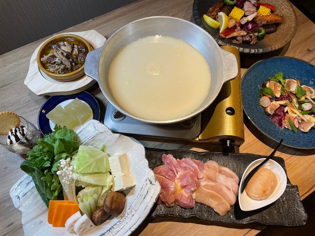 水炊き・鶏すき鍋コースは3,500円~♪ 堪能コース3,000円