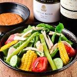 【サラダ】 福岡県内で採れた野菜を自家製ゴマドレでどうぞ!