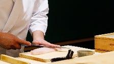 魚の旨味を凝縮した「鮨屋の鮨」を…