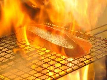 自慢の藁焼き料理!
