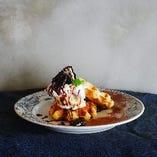 チーズクリームとオレオのワッフル~バニラアイス~