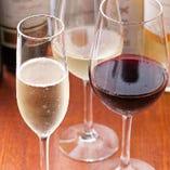 グラスワインもソムリエが厳選した銘柄をご用意していますので、「ボトルはちょっと…」と思わるお客様も気軽に串揚げとのマリアージュをお楽しみ頂けます!