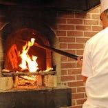 超希少!本場伝統の薪窯で熟練シェフが焼き上げる北京ダック