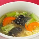 五目野菜と卵スープ