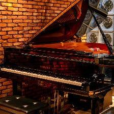 ピアノ完備。コンサート貸切OK!