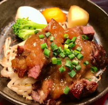 種類豊富な美味肉ランチを手軽に堪能