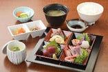 色々なお魚を楽しみたい方に♪「刺身定食」1,580円(税抜)