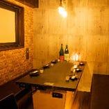 落ち着いた雰囲気の個室席は、デートや女子会,記念日でのご利用にも♪