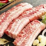 【生サムギョプサル】 肉の旨味を存分に堪能!1.5cm肉厚カット