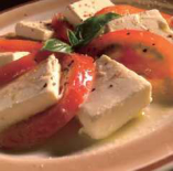 女性に人気!「クリームチーズとトマトのカルパッチョ」600円