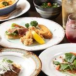 和洋、多彩な料理が楽しめる宴会コース。満足度に自信アリです。