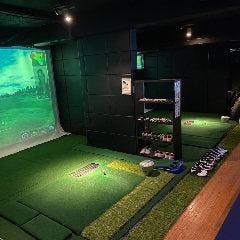 シミュレーションゴルフ2台も使い放題 余興にもってこいです