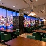 世界中の食が集まるNYをコンセプトに みなとの風とともに優雅な時間を楽しむビュッフェレストラン
