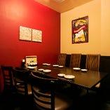 プライベート空間でお食事が楽しめる完全個室(4~6名様)
