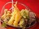 揚げたて!旬の野菜と海老の天麩羅盛合せ 2~3名1,575円