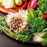各コースは新鮮な香味野菜10種類以上もお代わり自由です!