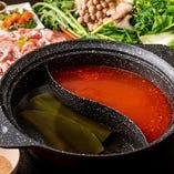 食べ放題のお鍋は2種類の出汁をお楽しみいただけます