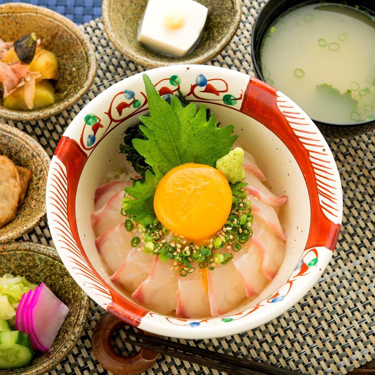 土、日、祝日限定ランチ・愛媛県出身の料理長が作る2大鯛めし