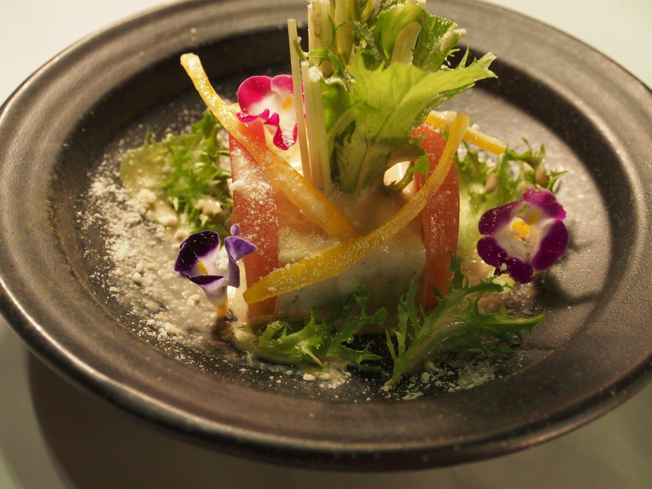 ちちぶ食べものがたり 参加の一品蕎麦豆腐のサラダ ノンオイル