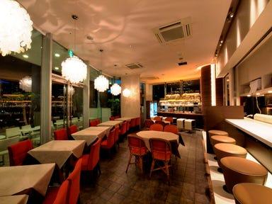 キンカウーカ グリル&オイスターバー 横浜ベイクォーター店 店内の画像