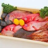 山口県の萩漁港などから取り寄せた厳選新鮮食材