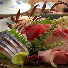 市場直送の新鮮魚介に舌鼓