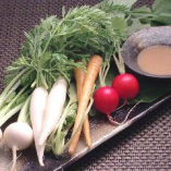 新鮮美味しいミニ野菜盛りです。葉っぱもまるごと召し上がれ!!
