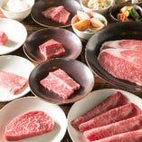 コースでは焼きしゃぶ、ステーキ、塩&タレ焼きなどでお肉を10種ほどご用意