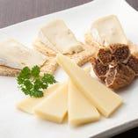 北海道 小林牧場の チーズ二種 盛り合わせ