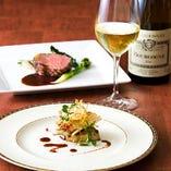 当店ソムリエがお料理に合わせた厳選ワインもご提案致します。