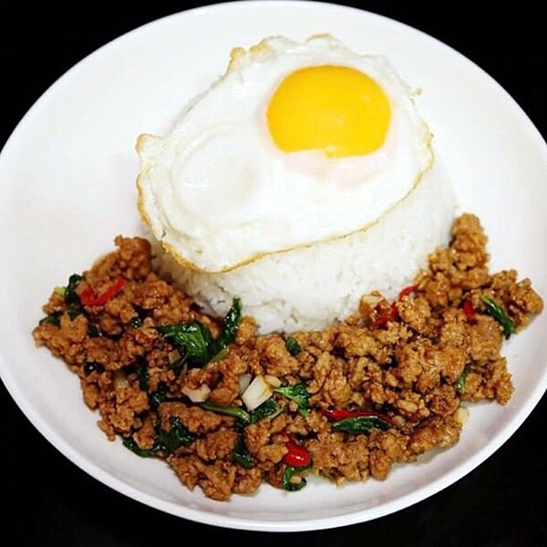 本場のシェフが作るアジア料理の数々