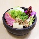 夏野菜と厚切りベーコンの温サラダ