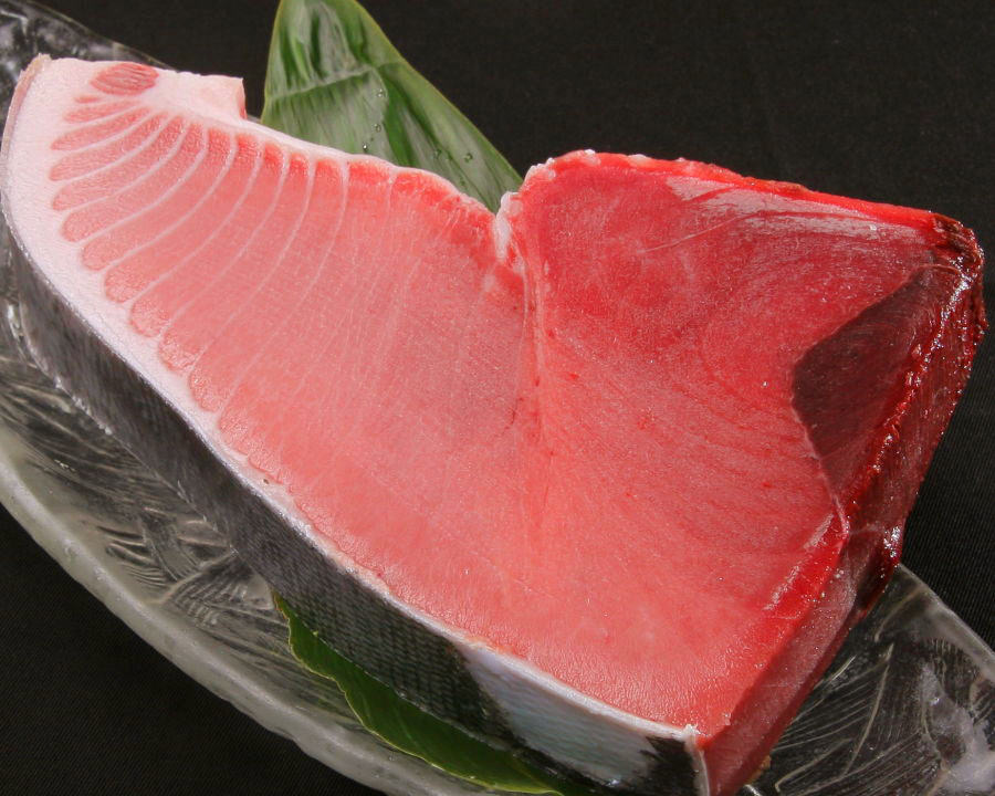 全国より漁港より届く新鮮魚介! 天然マグロ