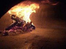 薪窯で焼き上げる至高のピッツァ!!