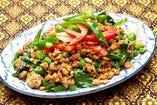鶏挽き肉のガパオ炒め