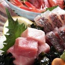 地元漁港直送の新鮮な魚介類の数々